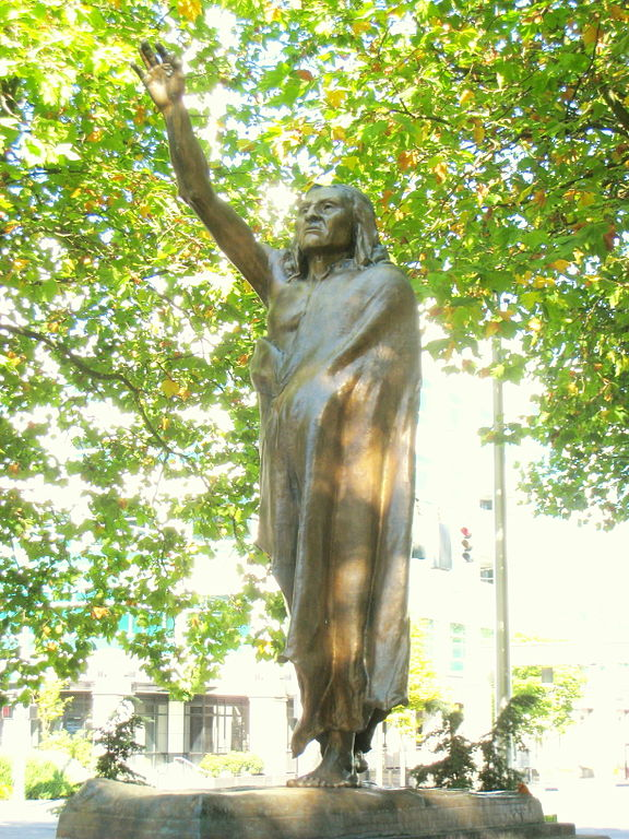 Statue of Seattle, Chief of the Suquamish by James Wehn (1912) (WikiMedia)